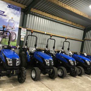 Tractors & Compact Tractors